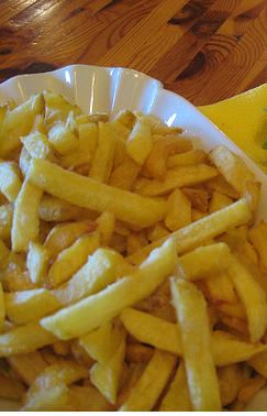 Vegan fries from Yellow-Sunshine.